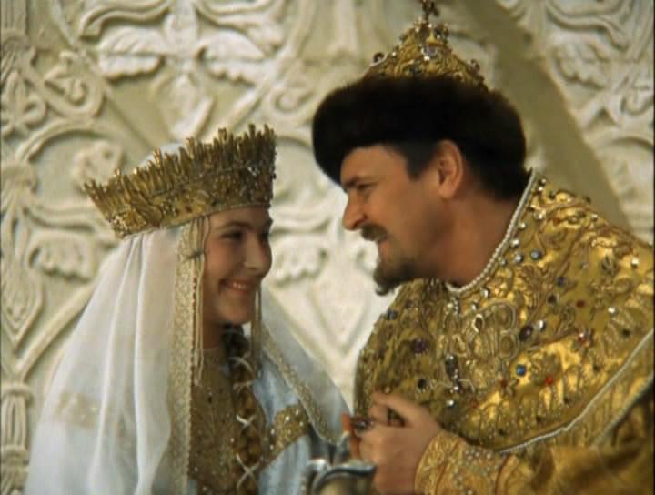 Нарезка крылатых фраз из известнейших советских фильмов и.